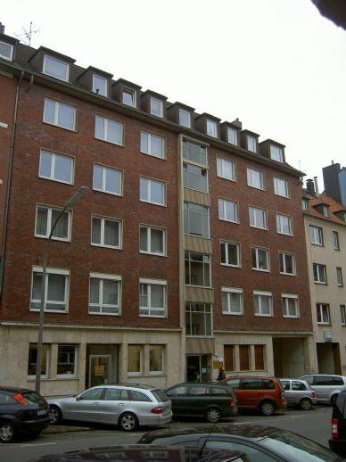 3 - Zimmer Wohnung im 1. OG eines repräsentativen Wohn- und Geschäftshauses
