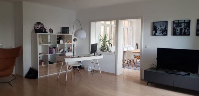 Helle, gut geschnittene 2,5 Zimmerwohnung in Whm- Lützelsachsen mit zentraler Anbindung an Nahverkehr