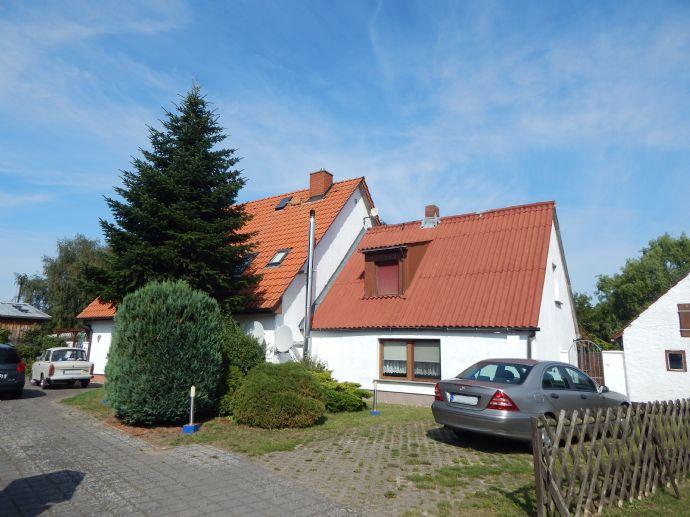 Doppelhaus mit drei Wohnungen zum Wohnen und Vermietenâ¦
