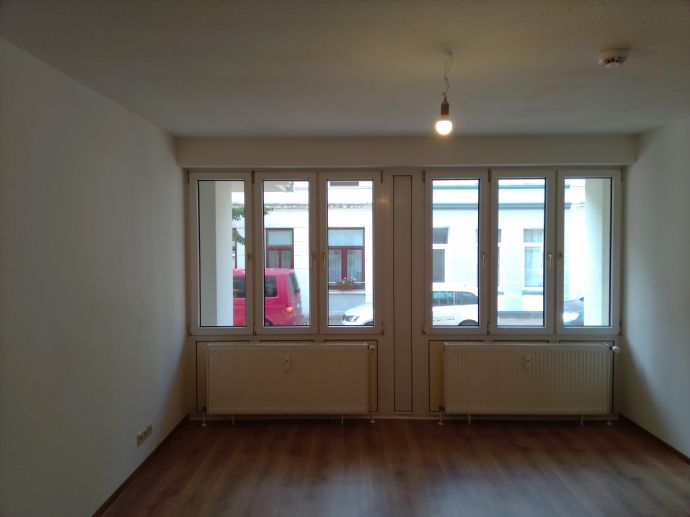 Renovierte 4-Zi Whg mit Balkon