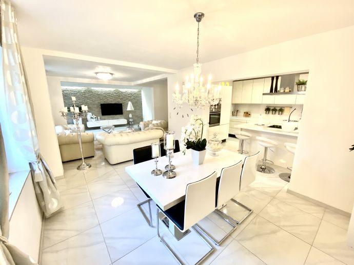 Traumhaftes Einfamilienhaus mit Stil (kernsaniert) !!!