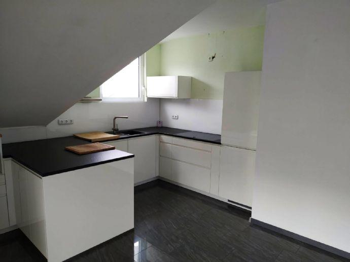 3-Zimmer-Wohnung mit 120 m² Wfl. im 1. Stock, 2 Balkone, Bj. 2010