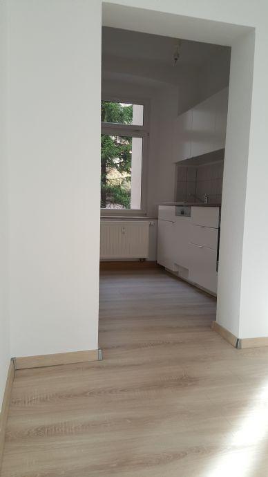 Mit Einbauküche! Sehr schöne, helle 2,5 Raum Wohnung, Nähe Stadtzentrum Gera, 1.OG