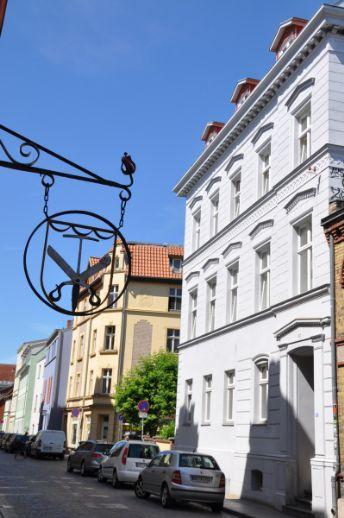 helle, kleine 2-Zimmer-Wohnung in der Stralsunder Altstadt WE01