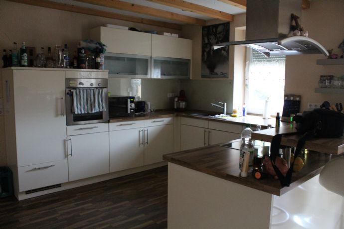 2,5-Zimmer-Wohnung im 1. Obergeschoss mit Einbauküche
