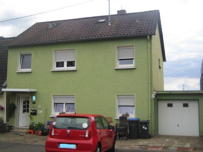 Einfamilienhaus mit Doppelgarage und Garten in einer bevorzugten Wohnlage