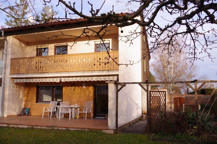 Ottobrunn bei München - heimeliges, teilmöbliertes Haus mit schönem Garten