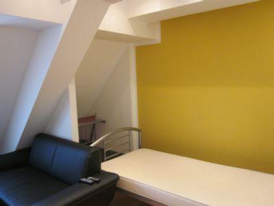 33 s es 1 zimmer apartement inklusive aller nebenkosten strom und internet wohnung bamberg. Black Bedroom Furniture Sets. Home Design Ideas
