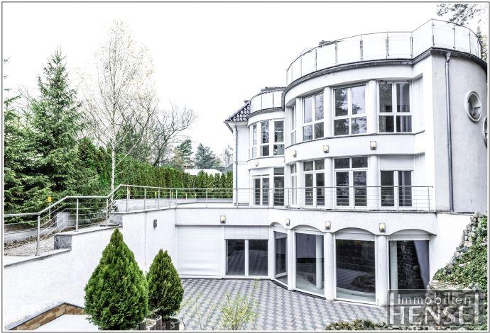 Einzigartige Kapitalanlage in Dahlem/Schmargendorf: elegante PrivatVilla ODER 3-Familienhaus. Es liegt in Ihrer Hand!