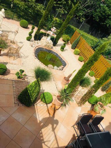 Modernisierte DHH mit Garten, Garage, Dachterrasse & Sauna in ruhiger, familienfreundlicher Lage +++ Provisionsfrei +++