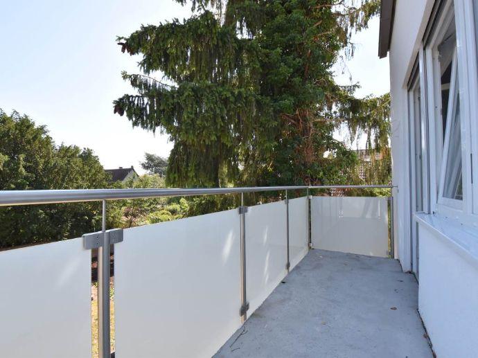 Ruhige 4 Zimmer Wohnung mit Balkon - Erstbezug nach Modernisierung - mit Kaufoption