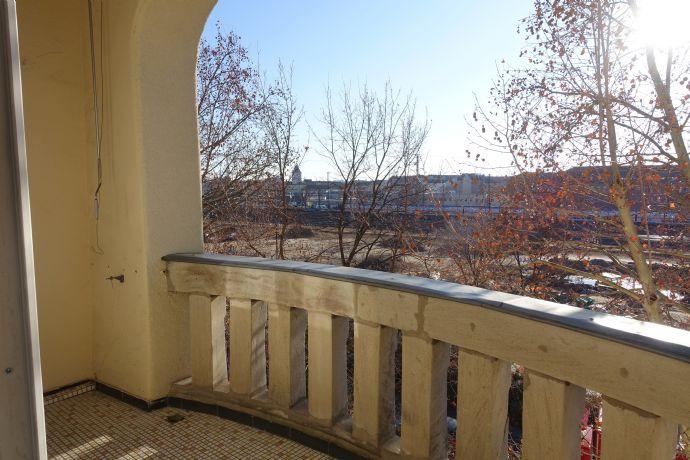 Schicke und komplett renovierte 3-Zim-Whg. m. Balkon in der Hornschuchpromenade