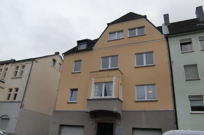 TOP 2,5 Zimmer Wohnung mit 2 Garagen in Dortmund-Bövinghausen