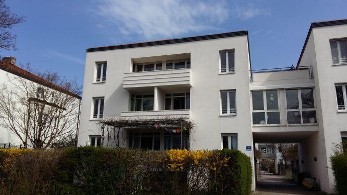 Herrlich ruhige 4,5 Zimmer Wohnung mit Dachterrasse im Westen!