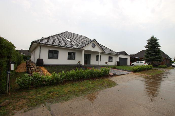 Landhaus in Stadtnähe (Winkelbungalow mit Wellnessbereich)
