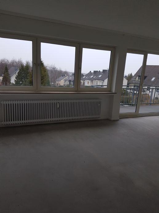 42551 Velbert 38 qm Schlafnische  Wohnraum  Balkon EBK schöne Aussicht Kabelanschluss in Mehrfamilienhaus
