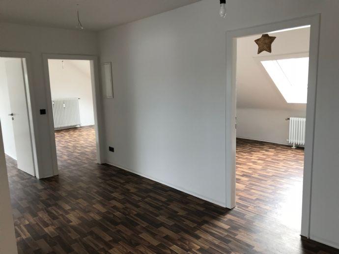 Komplett renovierte 3-Zimmer-Wohnung sucht Sie