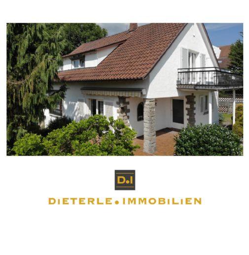 Freistehendes Einfamilienhaus im Landhaus-Stil in Aussichtslage