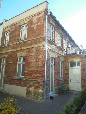 exklusive Doppelhaushälfte 3 Zimmermaisonette m.Parkett,gr.Terrasse,Gäste-WC,Fußbodenheizung in ruhiger Lage von Leipzig-Lindenau