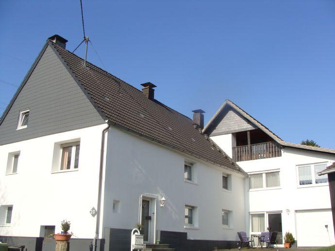 Gepflegte Doppelhaushälfte als Ein-Zweifamilienhaus nutzbar Wiehl Oberholzen