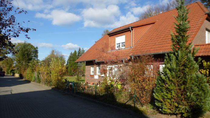 RAIBA IMMO++Vermietetes, großzügiges EFH mit viel Platz++10 km von Waren (Müritz)++