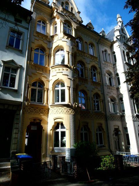 Großzügige 2-Raum-Wohnung in bester Lage mit Balkon, Loggia, Gäste -WC, Abstellraum