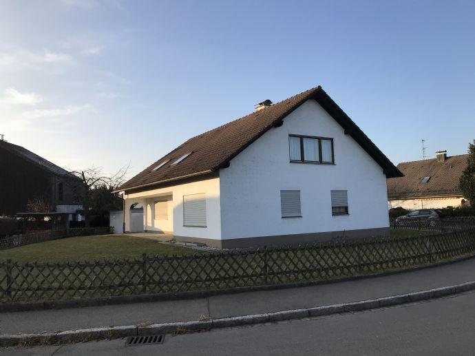 RESERVIERT! 1-2 Familienhaus, großes Grundstück, bezugsfrei, Wohnfl. aktuell ca. 210 m²