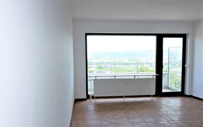 Panoramablick in direkter UNI-Nähe: 2 Zimmer, Küche, Bad, Aufzug, Balkon