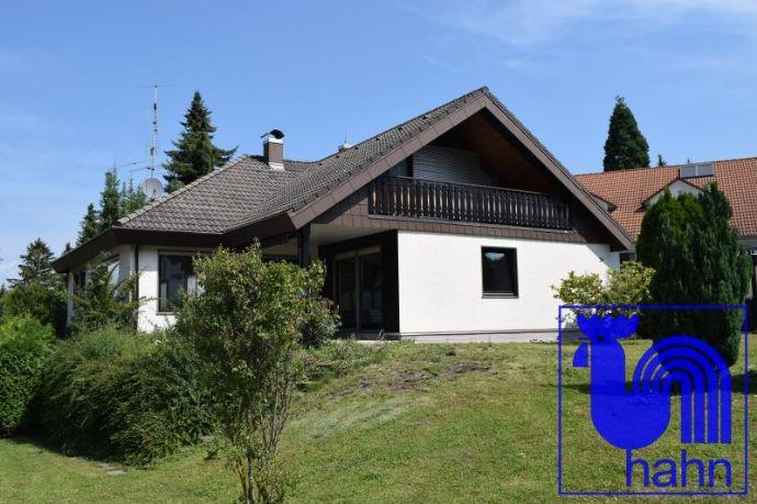 Attraktives, großzügiges Einfamilienhaus mit Einliegerwohnung in sehr beliebter Wohnlage von Pfullingen