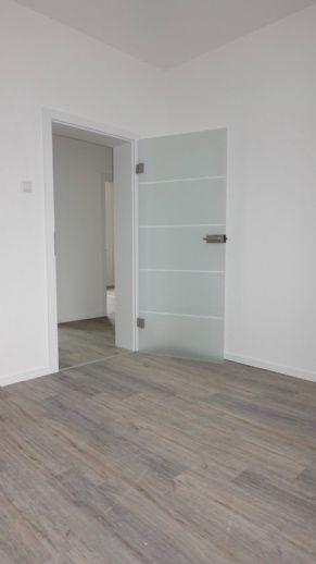 Erstbezug nach Modernisierung: freundliche 2-Zimmer-Wohnung mit Balkon in zentraler Lage am Klinikum