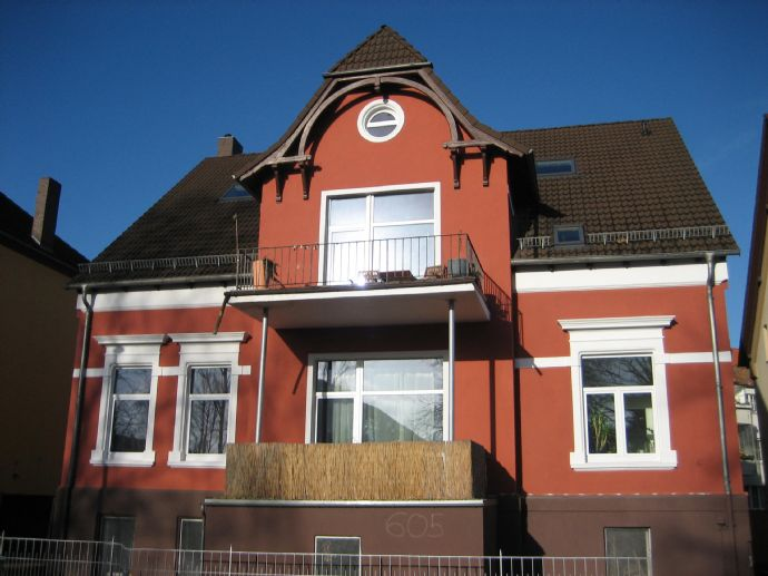 Stilvolle Wohnung im Sedanviertel mit Parkett und Balkon
