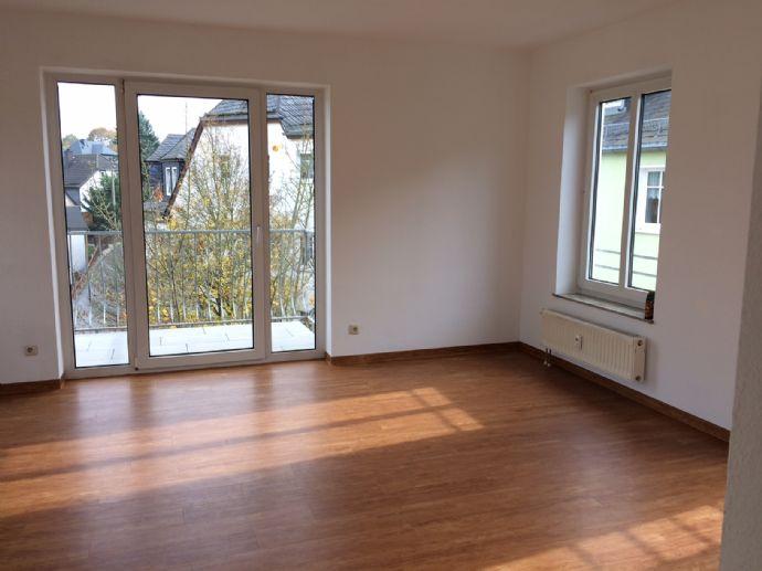 Helle 3-Raum-Wohnung mit Balkon im Zentrum von Bad Lobenstein