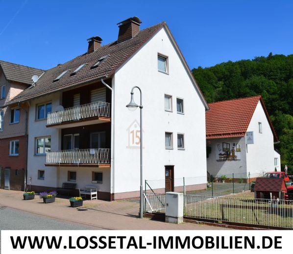 Hess-Lichtenau / OT Quentel, Wohnhaus mit Gewerbehalle auf großem Grundstück