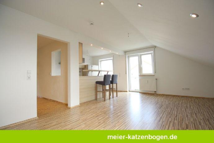 2-Zimmer-Dachgeschosswohnung mit Küche Balkon und