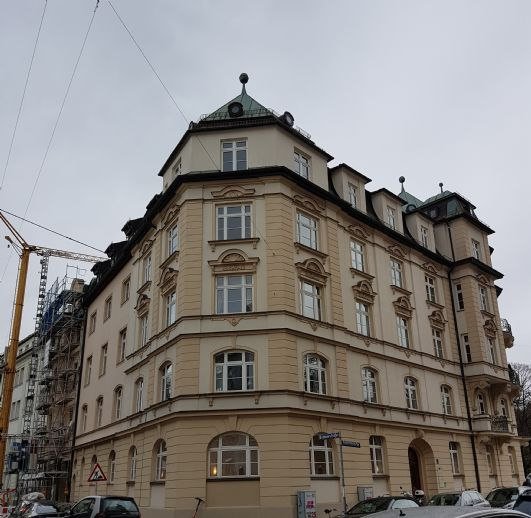 Lehel Charmante 3 Zimmer Altbauwohnung an der Isar - ruhig