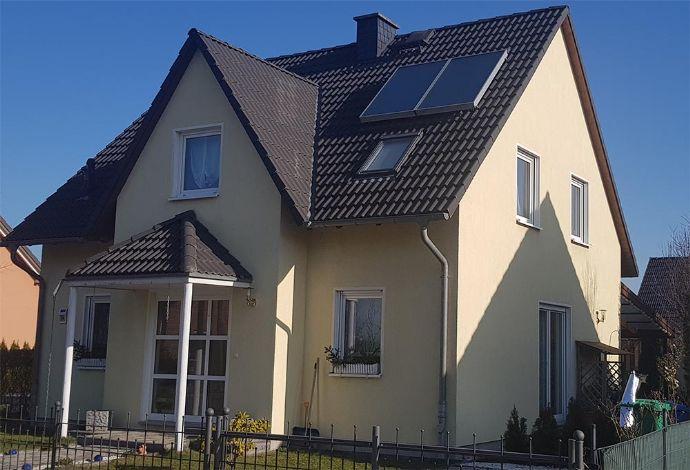 Wohnen in seiner schönsten Form - 4 Zimmer - Keller- Terrasse