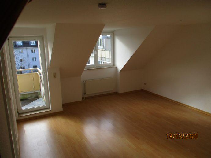 Maisonette-Wohnung in schöner Wohngegend mit Balkon