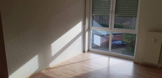 Einziehen und Wohlfühlen  - Wohnung mit Balkon