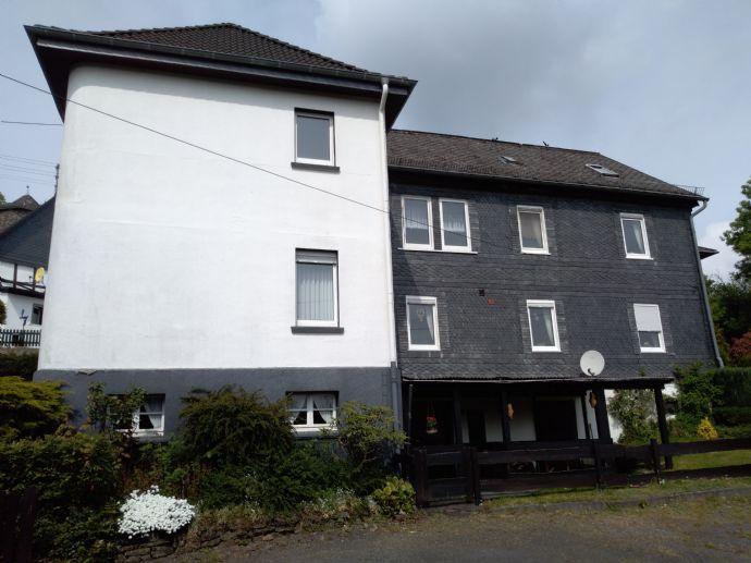 PREISREDUZIERT - zwei Eigentumswohnungen in einem drei Parteienhaus zu verkaufen