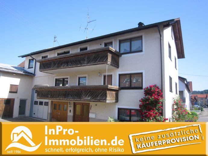 +++ insgesamt 8 Zimmer, 2 große Wohnungen, vielen Nebenflächen (z.B. für Werkstatt ...). 2- Fam. Haus in St.Johann Würtingen