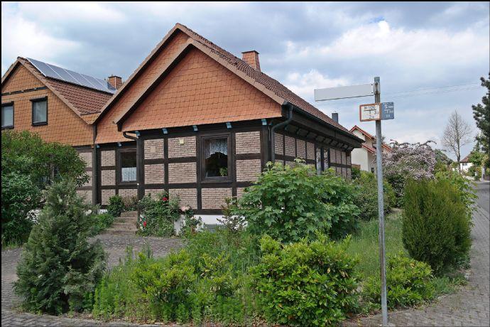 Schöne Doppelhaushälfte in bevorzugter Lage von Weisenheim a. S.