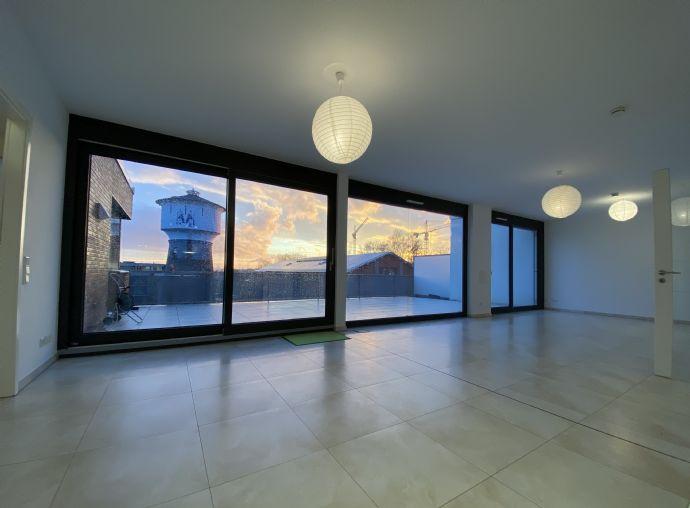 Penthouse  - 20min zum Dom  - Klimaanlage, 50m² Terrasse, Küche, Kaminanschluss...