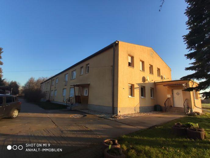 Idylisch Wohnen im Grünen in einer neu-renovierten Wohnung | 3 Räume | große Wohnküche