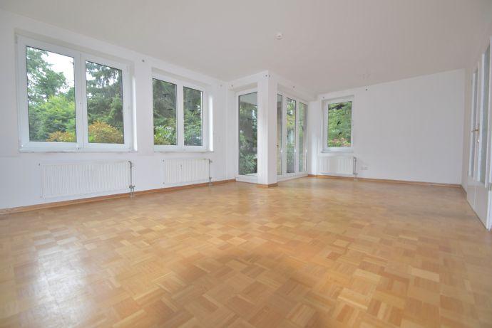 Komfortable, großzügige Wohnung mit Tiefgaragenstellplatz in Blankenese zu vermieten