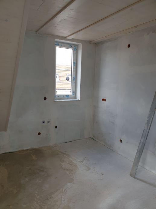 Wunderschöne 2,5-Zimmer-Dachgeschoss-Wohnung sucht ihren erste/n Mieter/in