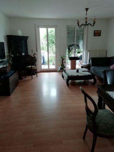 Helle 2-Zimmer-Wohnung mit Terrasse in Hof