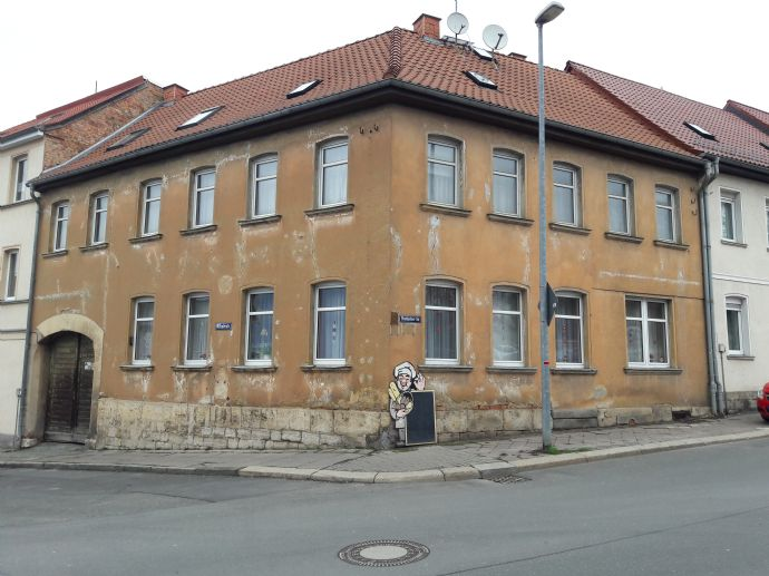 sanierungsbedürftiges Mehrfamilienhaus in Apolda zu verkaufen (bis 15.05.2020)