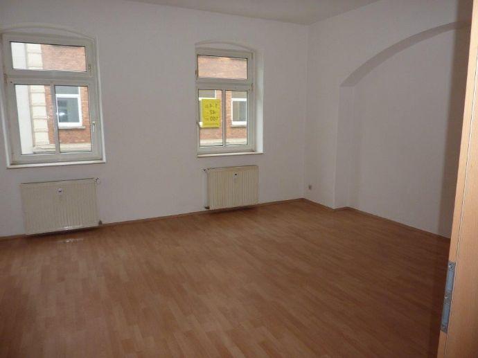 Perfekte Aufteilung auf 58 m² und 2 Zimmer. Mit großer Küche. Hier ist man zuhause!