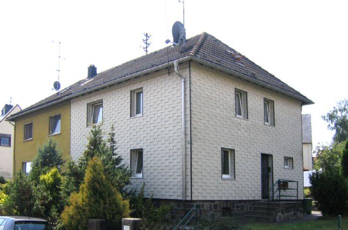 Doppelhaushälfte mit großem Garten, in guter Wohnlage