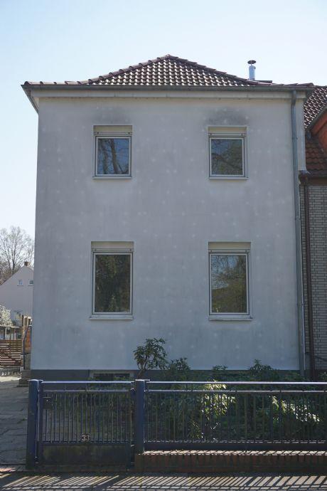 Huchting Landesgrenze - Doppelhaushälfte mit separatem Baugrund